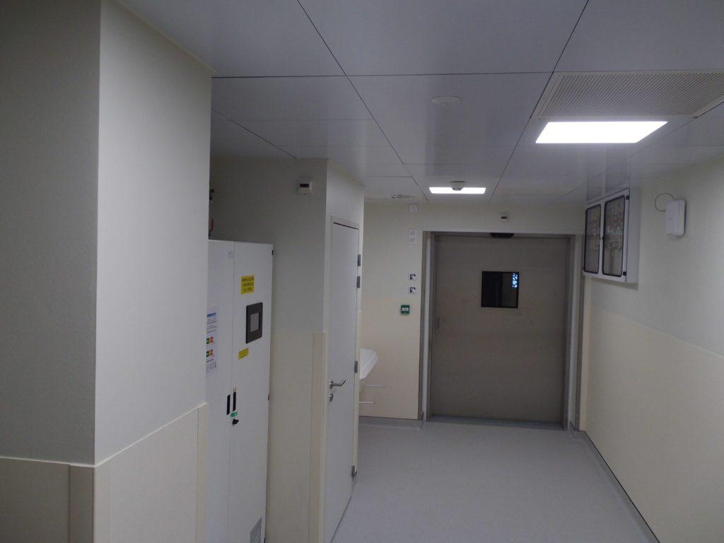 plafond salle blanche