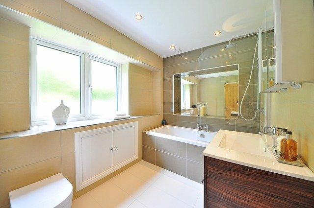 Matériaux pour habiller une salle de bains